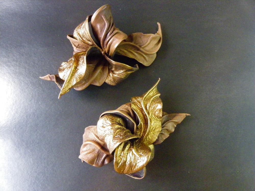 золотая осень, листопад, бронзовый, цветы из кожи, брошь цветок из кожи