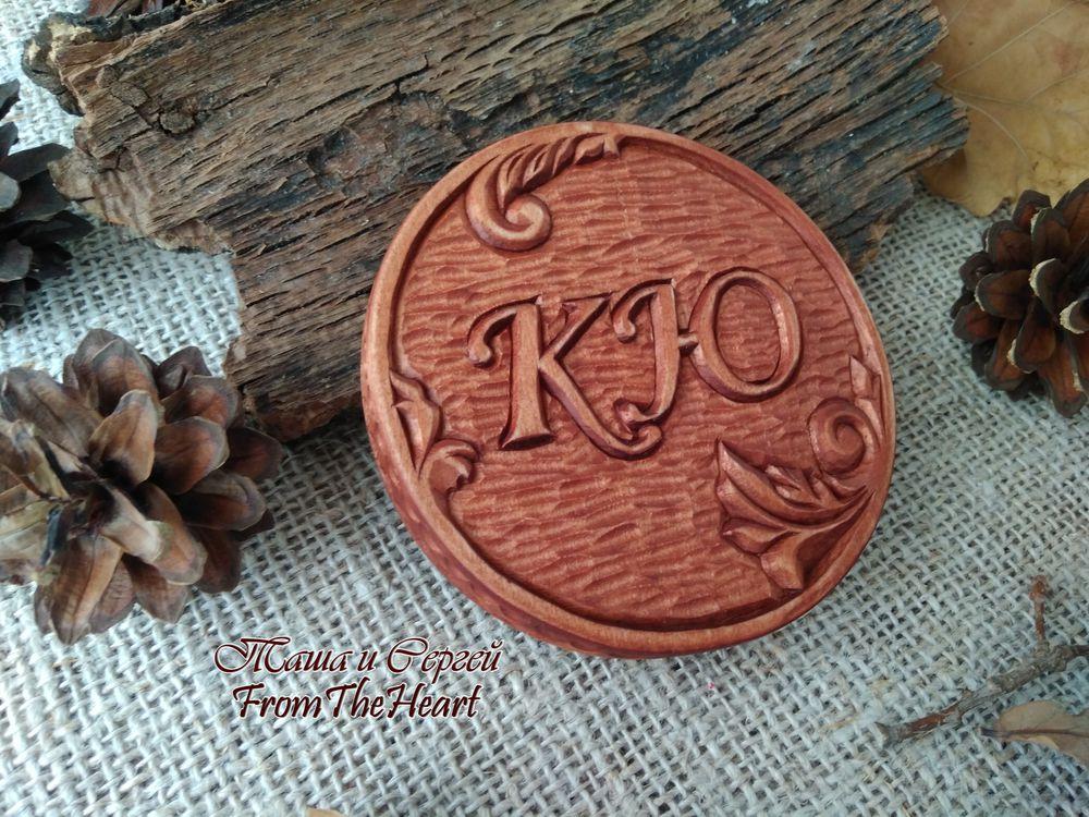 деревянная монета, голуби
