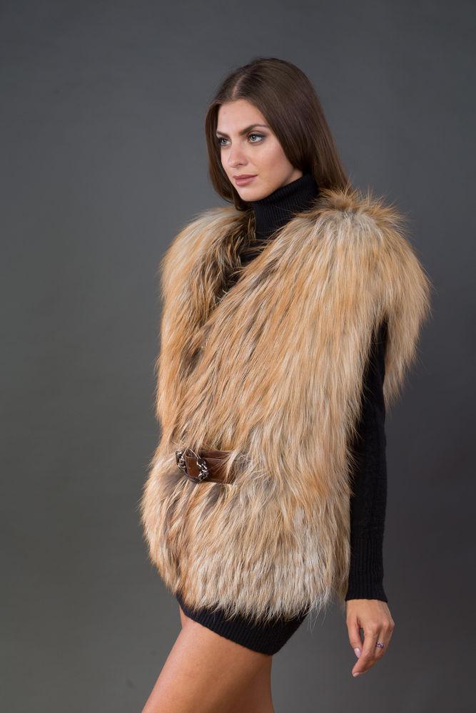 распродажа одежды, меховой жилет