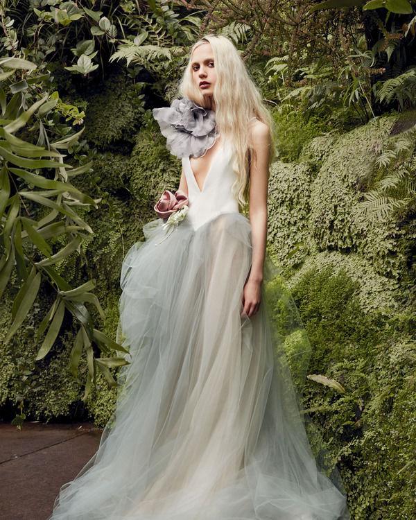 17 роскошных платьев, которые заставят мечтать о свадьбе: в Нью-Йорке завершилась Bridal Fashion Week