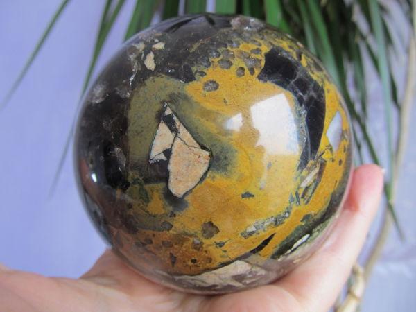 Шар из брекчии дымчатого кварца с топазами   Ярмарка Мастеров - ручная работа, handmade