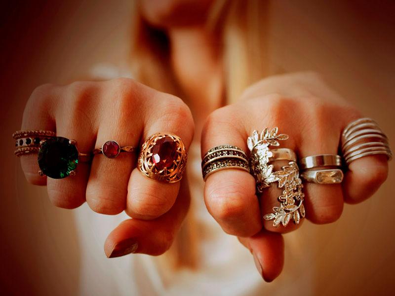 На каком пальце носить кольцо.
