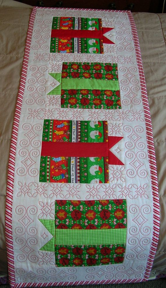 Quilted Christmas Table Runner, look at the great red quilting!