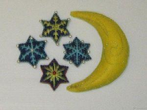 Новогодние игрушки из фетра Месяц и звёзды.. Ярмарка Мастеров - ручная работа, handmade.