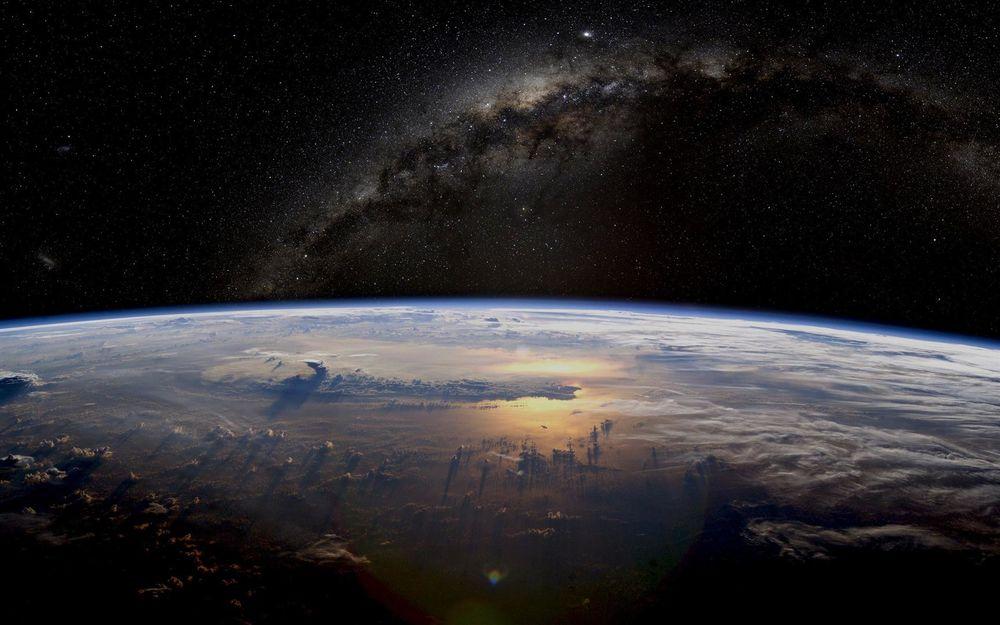 мир, модель мира, бог, абсолют, рунический амулет, амулет, космос, планета земля, гадание, черная магия, белая магия, руны, дух, сила духа, удача, руны каменные, руны из камня, мара, велес, перун