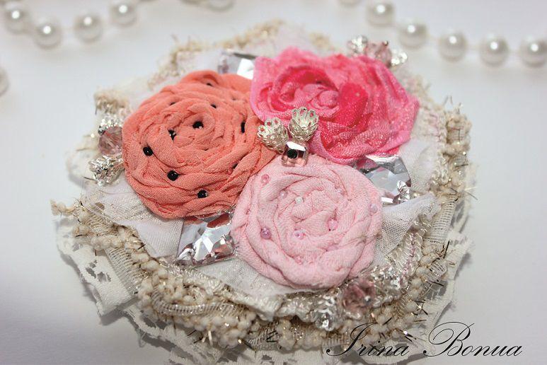 аукцион, текстильная брошь, брошь из ткани, романтичная брошь, розовая брошь, гламурная брошь, ирина бутышкина, irina bonua, вечернее украшение, аукцион магазина, акция магазина, брошь в подарок, подарок на 8 марта, подарок девушке, подарок маме, брошь, нежность, нежная брошь, нежные цвета