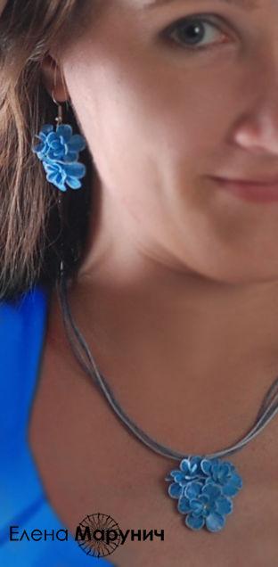 украшения из пластики, авторские украшения, голубые цветы из полимерной глины, украшения из полимерной глины, голубые цветы из полимерной глины, украшения с голубыми цветами