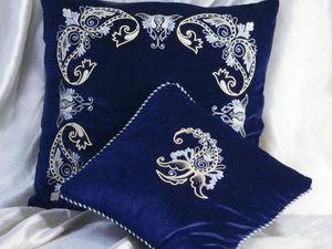 Вышивка в интерьере. Стильный синий цвет. Ярмарка Мастеров - ручная работа, handmade.