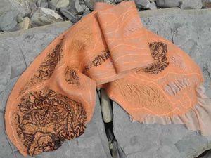 Валяние шарфа «Абрикосовый джем» - про подарочки судьбы и избавление от дырочек | Ярмарка Мастеров - ручная работа, handmade