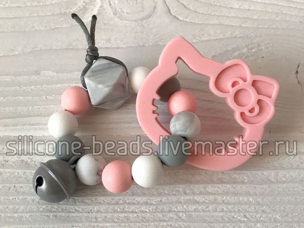 Погремушка из силиконовых бусин - отличный подарок на рождение! | Ярмарка Мастеров - ручная работа, handmade