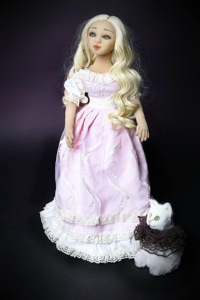 текстильная кукла, кукла интерьерная, черный фон