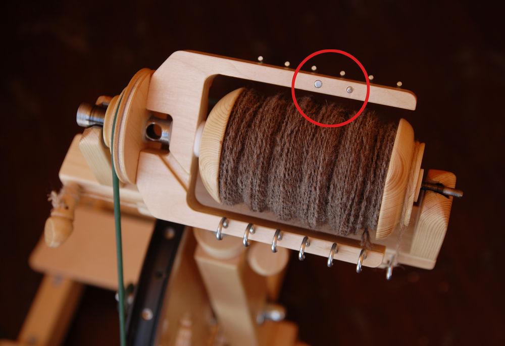 прядние шерсти, ручное прядение, прялка деревянная, прялка скай, вертушка, флаер, балансировка