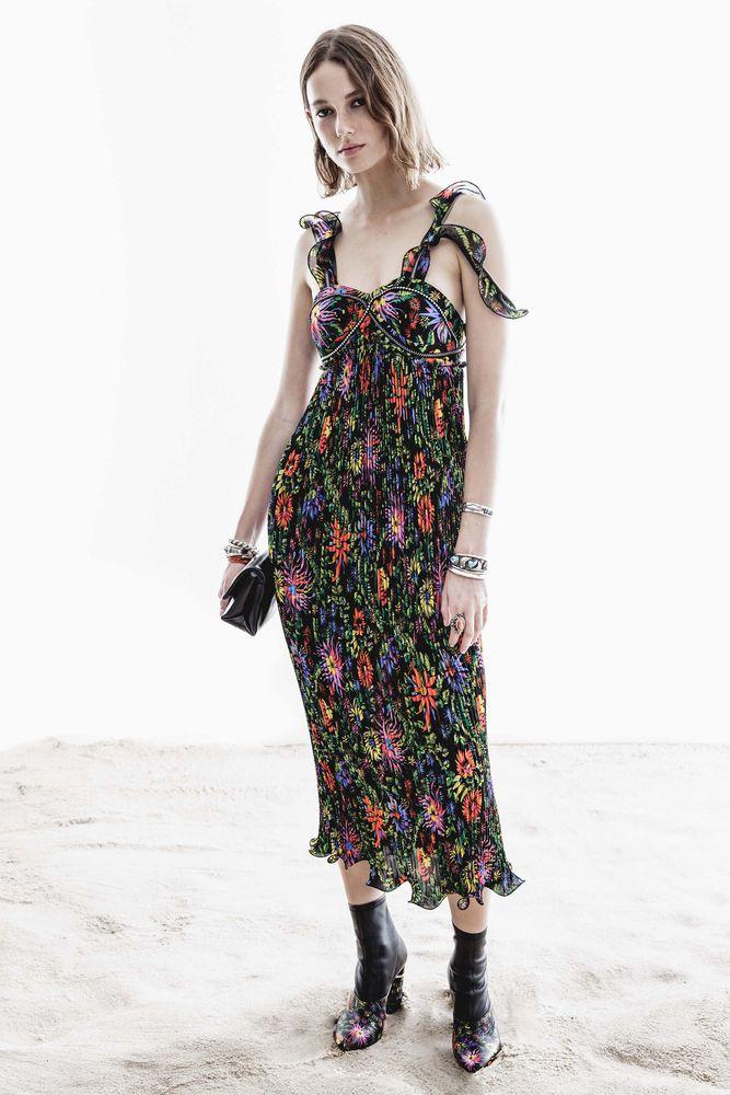 плиссировка ткани платье