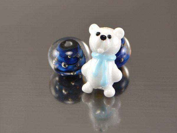 лампворк, мишка полярный, бусины ручной работы