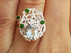 Видео кольца с топазом и хромдиопсидами. Серебро 925 пробы. Ярмарка Мастеров - ручная работа, handmade.