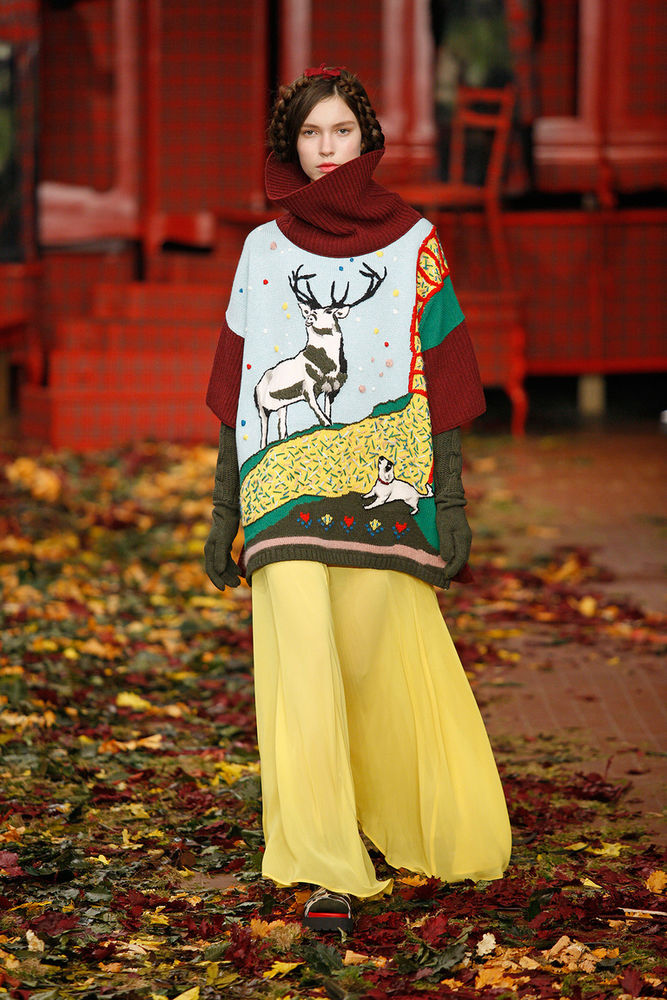 Вязаный подиум» для предстоящего сезона  одежда, которую хочется ... c1f27d822dc