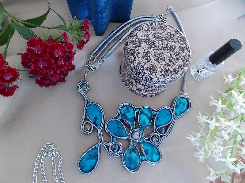 комплект украшений, украшение из кожи, браслет из кожи, колье из кожи и камней, оригинальный подарок, женское украшение