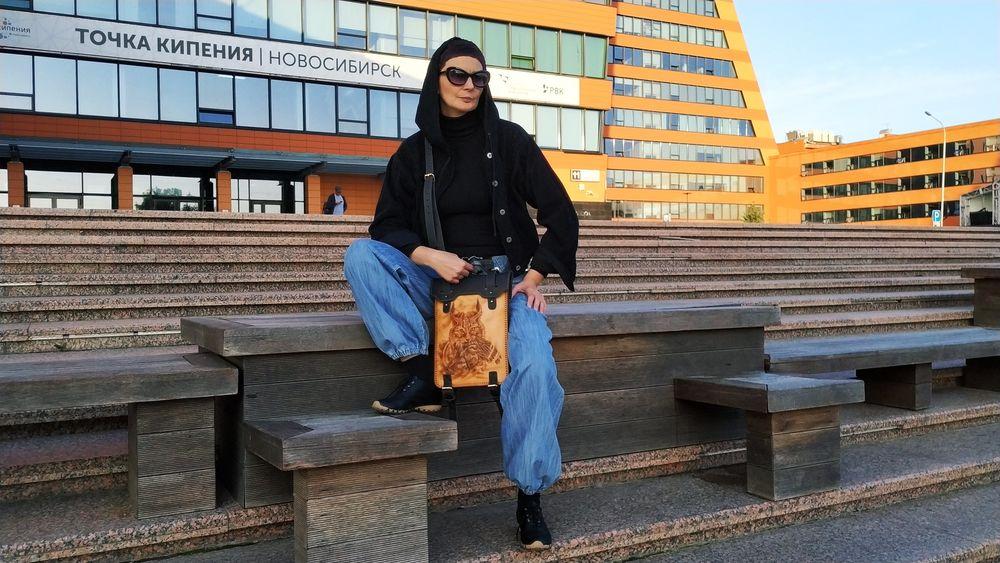 сумка с декором, сумка через плечо, художественная резьба, женская кожаная сумка