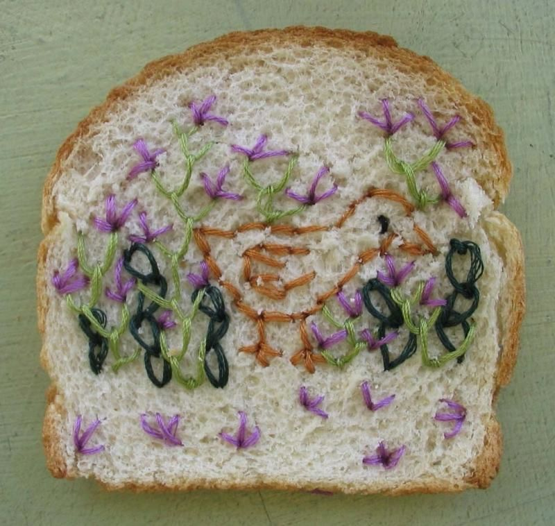 вышивка на хлебе