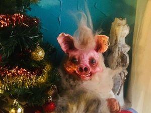 Желтая земляная свинья в доме. Ярмарка Мастеров - ручная работа, handmade.