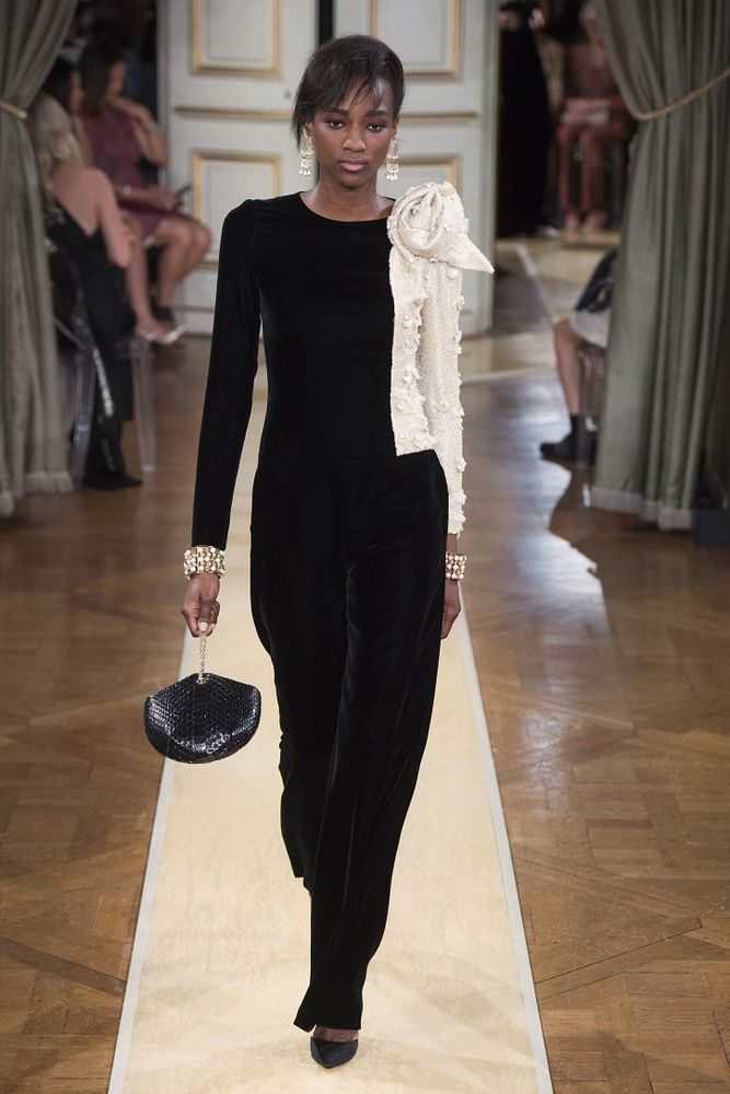 Осенний монохром haute couture Armani Prive осень-зима 2018