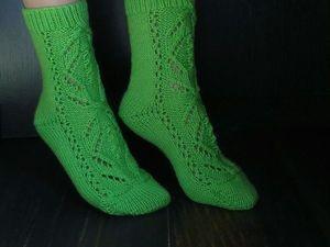 Видео мастер-класс: вяжем спицами ажурные носки. Ярмарка Мастеров - ручная работа, handmade.