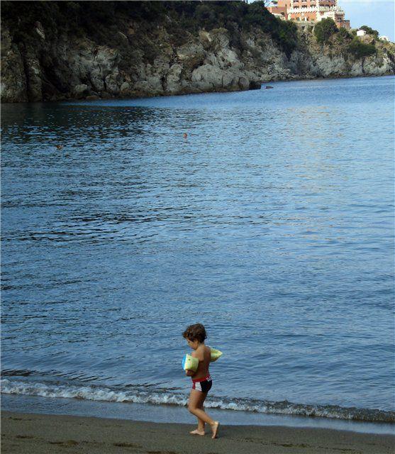 Юный купальщик