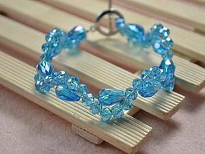Braiding a Cute Bracelet with Beads. Livemaster - handmade