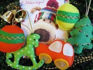 Ёлочные фетровые игрушки -  яркие и позитивные!. Ярмарка Мастеров - ручная работа, handmade.