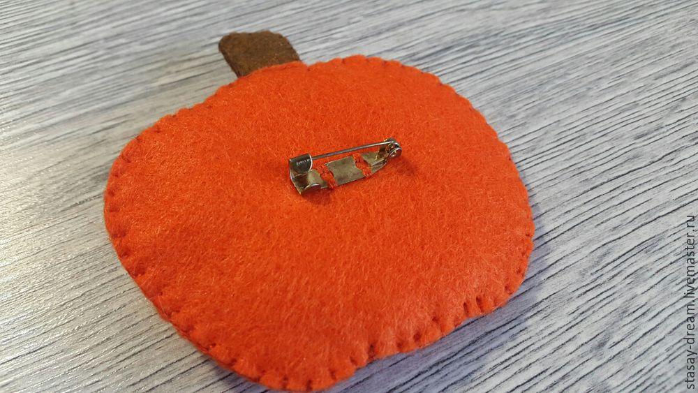 Sewing a Pumpkin Brooch, фото № 9