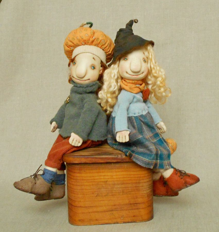 кукла-тыква, мальчик и девочка