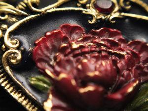 Пион. кулон цветок из полимерной глины с камнем граната и бусиной жемчуга. Ручная работа. Ярмарка Мастеров - ручная работа, handmade.