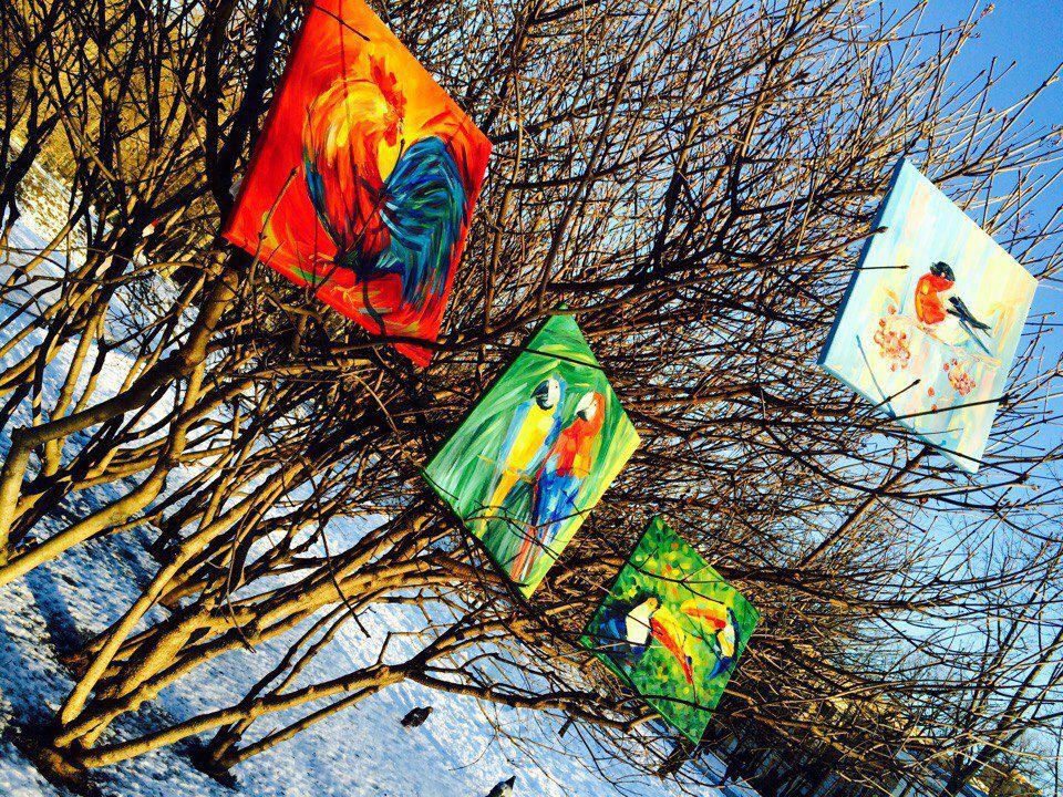 питер, весна, туканы, инсталляция