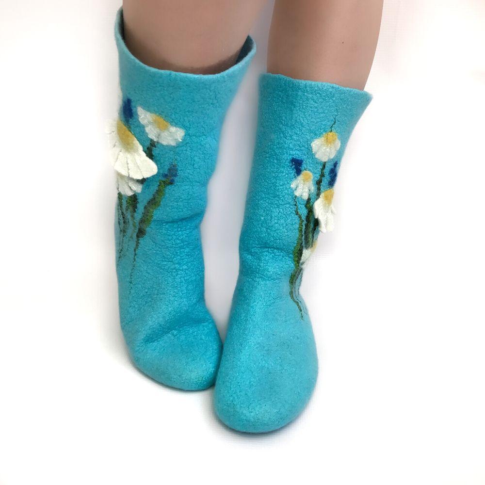 Мастер-класс по мокрому валянию  «Носочки с цветочным декором», фото № 7