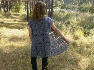 Удлиненный жилет из шерсти, связанный крючком. Ярмарка Мастеров - ручная работа, handmade.