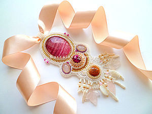 Step-by-Step Guide on How to Embroider an Exquisite Necklace. Livemaster - handmade