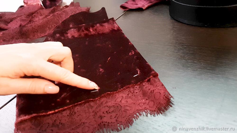 халат с кружевом