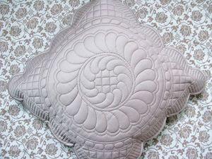 Подушка трапунто. Ярмарка Мастеров - ручная работа, handmade.