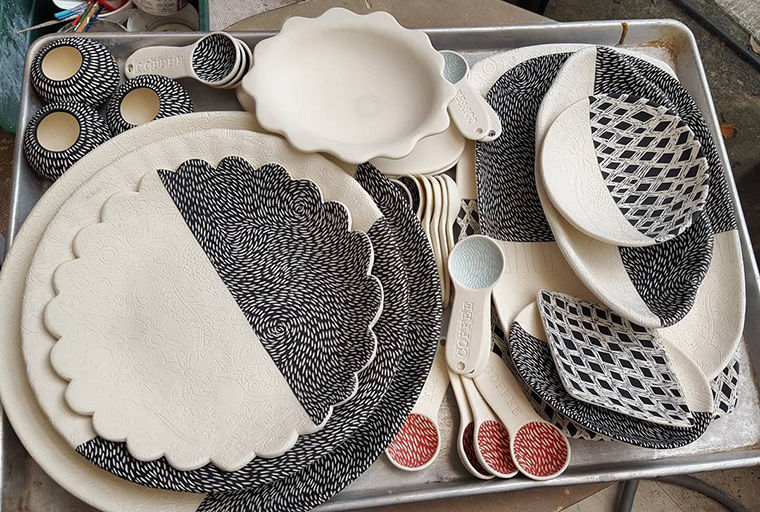 A Love Affair with Clay: Bright Pottery by Charity Hofert, фото № 6