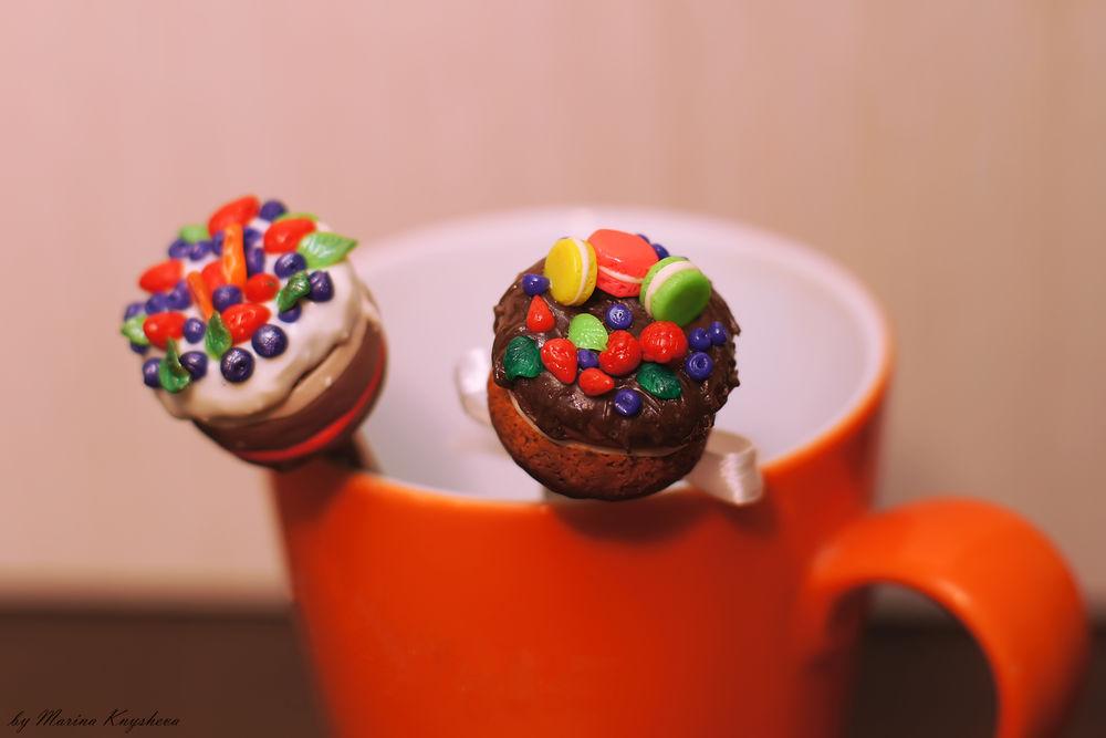 тортики, полимерная глина, фрукты, ягоды, сладости из пластики, чайная ложечка, подарок на 8 марта, макаруны, подарок для девочки, подарок для женщины