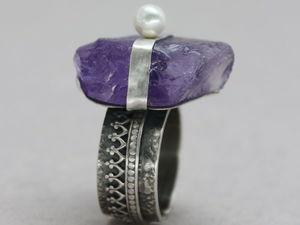 Серебряное кольцо с необработанным аметистом. Ярмарка Мастеров - ручная работа, handmade.