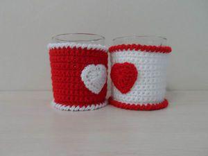 Вяжем крючком чехлы для кружек «Сердечки». Ярмарка Мастеров - ручная работа, handmade.