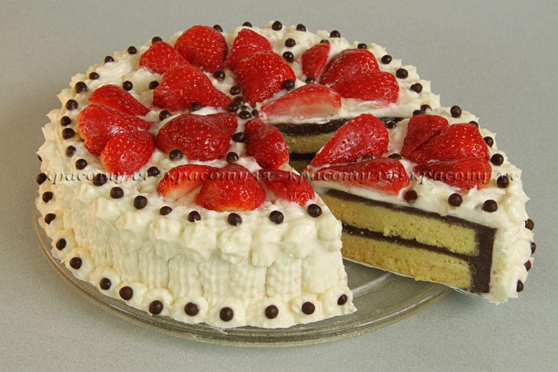 клубника, торт с клубникой, творожный крем, рецепт торта с клубникой, рецепт от красотули, бисквитный торт, шоколадный крем, творог