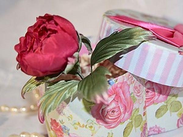 Assembling a Peony Flower out of Marsala Silk | Livemaster - handmade