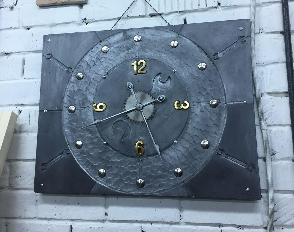 мебель в стиле лофт, лофт, мебель на заказ, часы, часы на заказ, индустриальный, декабрь, тематические недели, часы из металла