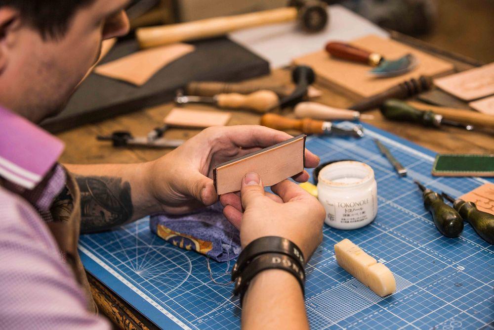 мастер-классы по коже, инструменты для кожи, обучение тиснению, полировка торцов