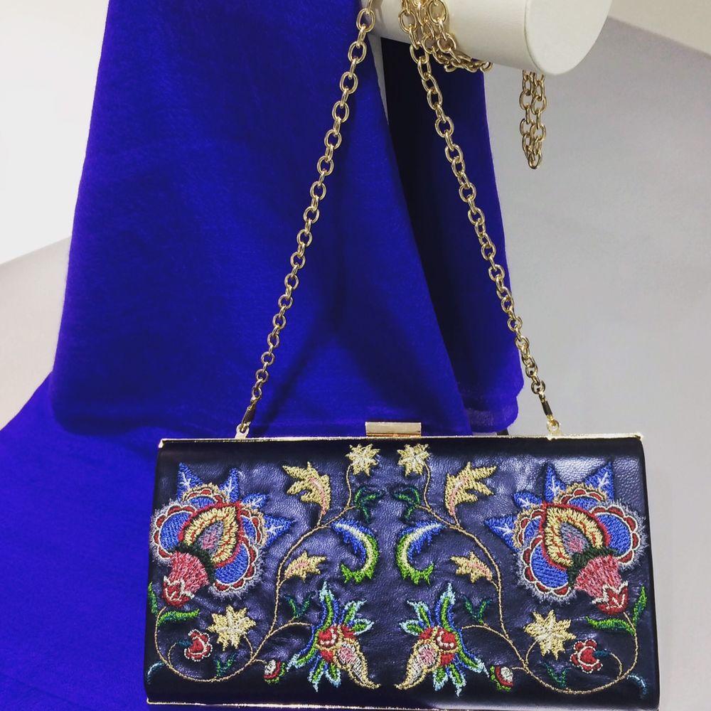 сумочка с вышивкой, народная вышивка, купить модную сумочку, модный аксессуар, вечерняя сумочка