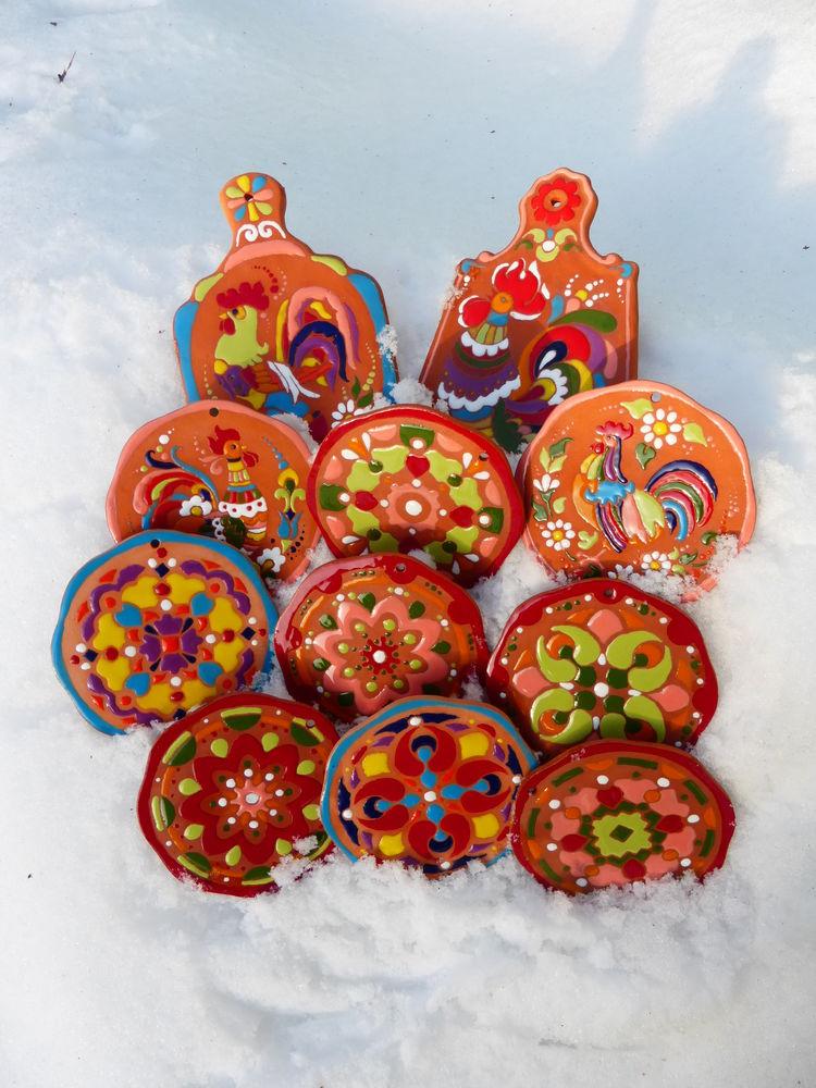 подарки для женщин, подарки к новому году, новогодние подарки, оригинальный подарок, новогодний сувенир, сувенир из россии, сувенир к новому году, подставки под чашки, костеры керамические, керамические костеры, сырные доски, сервировочные доски, разделочные доски, что подарить, красивые изделия из глины, петух символ 2017 года, подарок с петухом, подарки с петухами, подарок с символом года, для кухонного интерьера