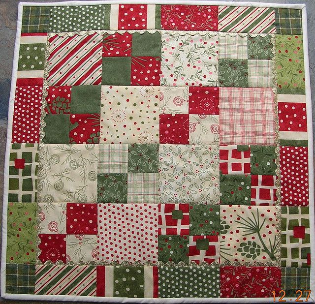 Christmas table topper by JasonsMum - tutorial link: <a href=