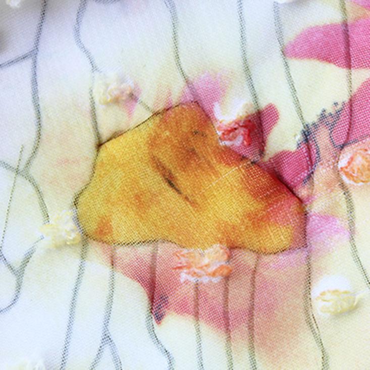 Рисунок с разводами и цветами